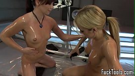 Pussy toying lesbian babes...