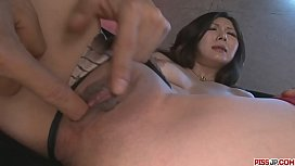 Ayami Shaved Pussy Creampied...