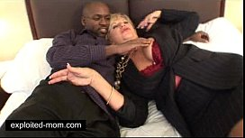 Old mature mommy banged...