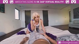 Teen cheerleader Luna Star...