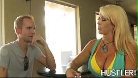 Bombshell Alura Jenson wraps big cock with curves