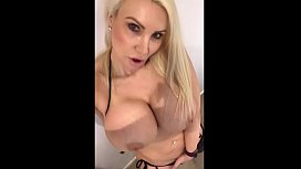 Milf masturbation home alone...