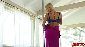 Joslyn James Loves Long...