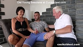 Old Man Licks Cum off His Wife Yetta