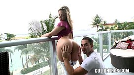 Alexis Texas super balcony...