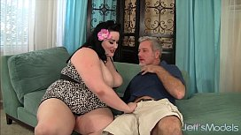 Plumper Eliza Allure gets...