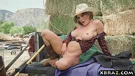 Southern MILF loves being...