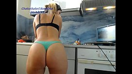 Amateur sexydea playing on...