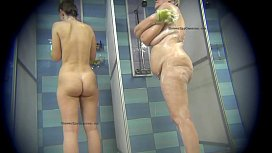 Real voyeur videos from a public showers