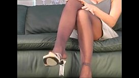 Sydney Moon pantyhose action...