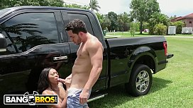 BANGBROS - Diamond Monrow Is Offering A Free Blowjob With Every Car Wash