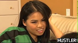Sporty Asian Cindy Starfall...