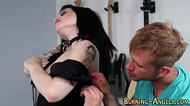 Gothic babe gets rimmed...