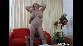 Dilettante babe lets an older chap penetrate her cuchy