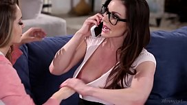 Busty Mommy Kendra Lust...