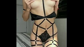My friend's sister dressed in sexy lingerie with straps and sent me her first solo video - Squir7een