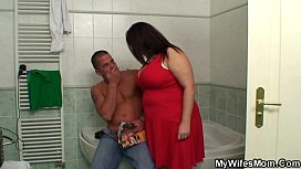 Chubby m. inlaw takes it in the bathroom