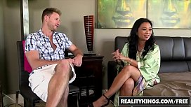RealityKings - Milf Hunter - Levi Cash Lucky Starr - Getting Lucky