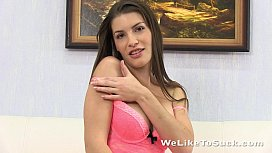 Teen girl is rewarded with a huge stream of jizz to her face