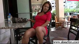Amateur Girl Play On Cam With All Kind Of Things vid-11