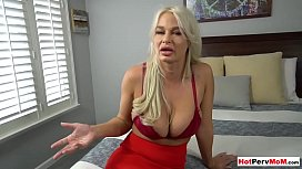 s. helps relax to mature stepmom with pussy licking