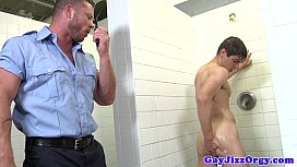Gaysex hunk sucking policemans...