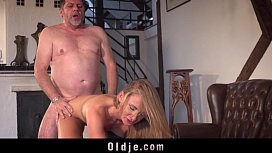 Business old man fucking his too horny young stunning girlfriend