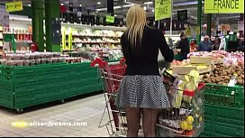 Flashing my body in public in a shopping center xvideos preview