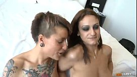Two beauties for a dick  Cumloudercom