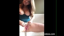 Mature big tits play with her clit - youpornstarvideos.com