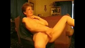 Hot granny rubbing her pussy. Amateur older