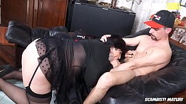 SCAMBISTI MATURI - #Danette Squirt - Italian BBW Mom Gets Her First Anal On Cam From Young Lover