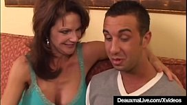 Mature Housewife Deauxma Jets...