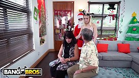 BANGBROS - Petite Young Blonde Anastasia Knight Fucked By Dirty Santa Claus! xxx video