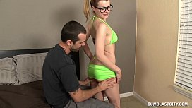 Hot Handygirl Gets A...