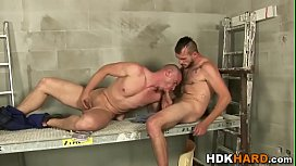 Muscly gay gets assfucked...