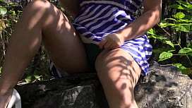 Voyeur spies on a blonde outdoors. Hairy pussy and juicy PAWG under the skirt. Amateur fetish behind the scenes.