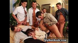 Brunette Anita Blue knows what turns men on and th
