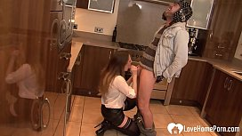 Housewife gets fucked by her son'_s best friend