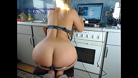 cute sexydea playing on live webcam