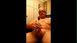 Watch me masterbating and cumming with a tea spoon inserted in my penis.