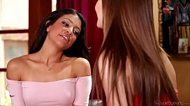 Veronica Rodriguez squirting right...