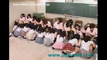 Classroom full of students have giant orgy thumbnail