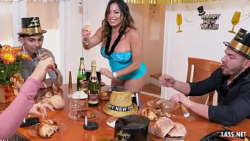 Thick Beauty Julianna Vega Knows How To Celebrate The New Year thumbnail