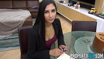 Propertysex Hot Real Estate Agent Cheats On Boyfriend To Land Real Estate Deal thumbnail