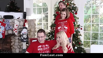 Step-Sis Fucked By Her Brother During Family Christmas Pictures