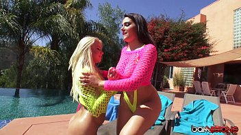 Anikka and Valentina Play with their Asses, then share a cock