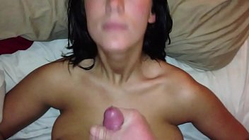 Huge Facial Squirted In Her Eye And Tits Vorschaubild
