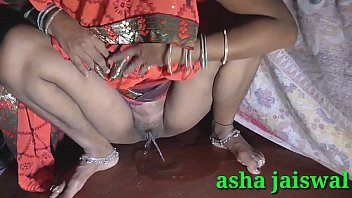 Brother-in-law saw me in orange saree, my mind was spoiled and gave me the fun of thick fighting, put it in my pussy