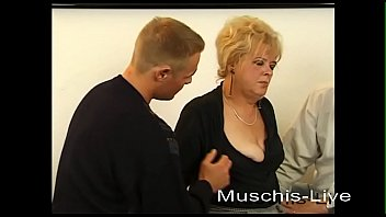 Old Milf is not enough a cock alone